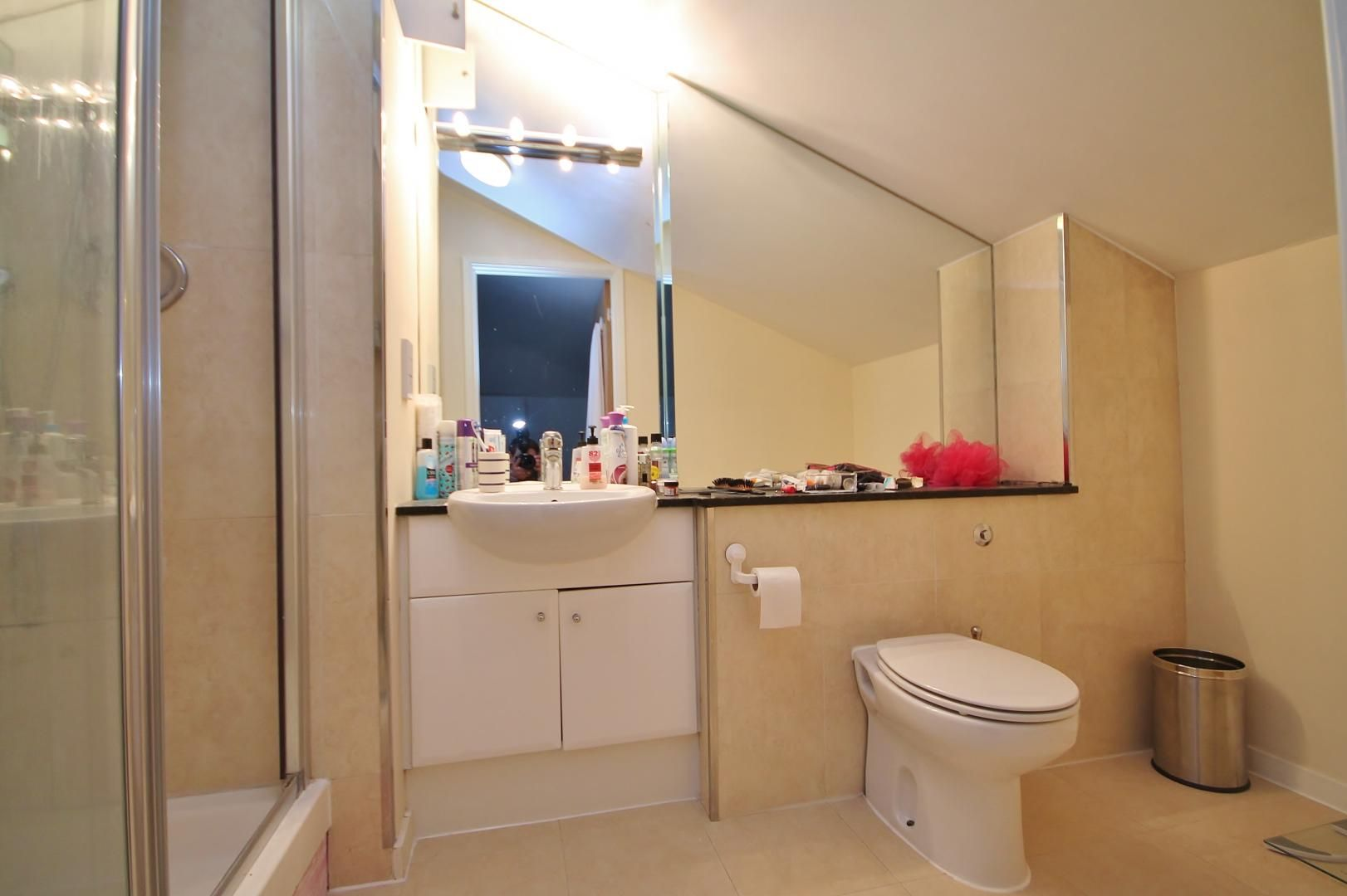 3 bed flat for sale in Western Gateway  - Property Image 6