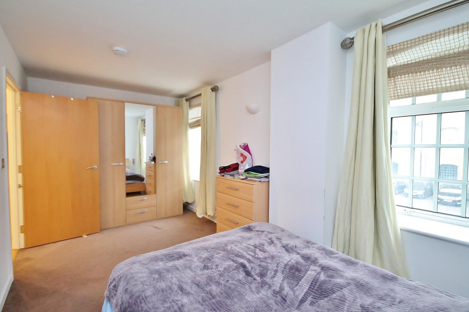 3 bed flat for sale in Western Gateway  - Property Image 9