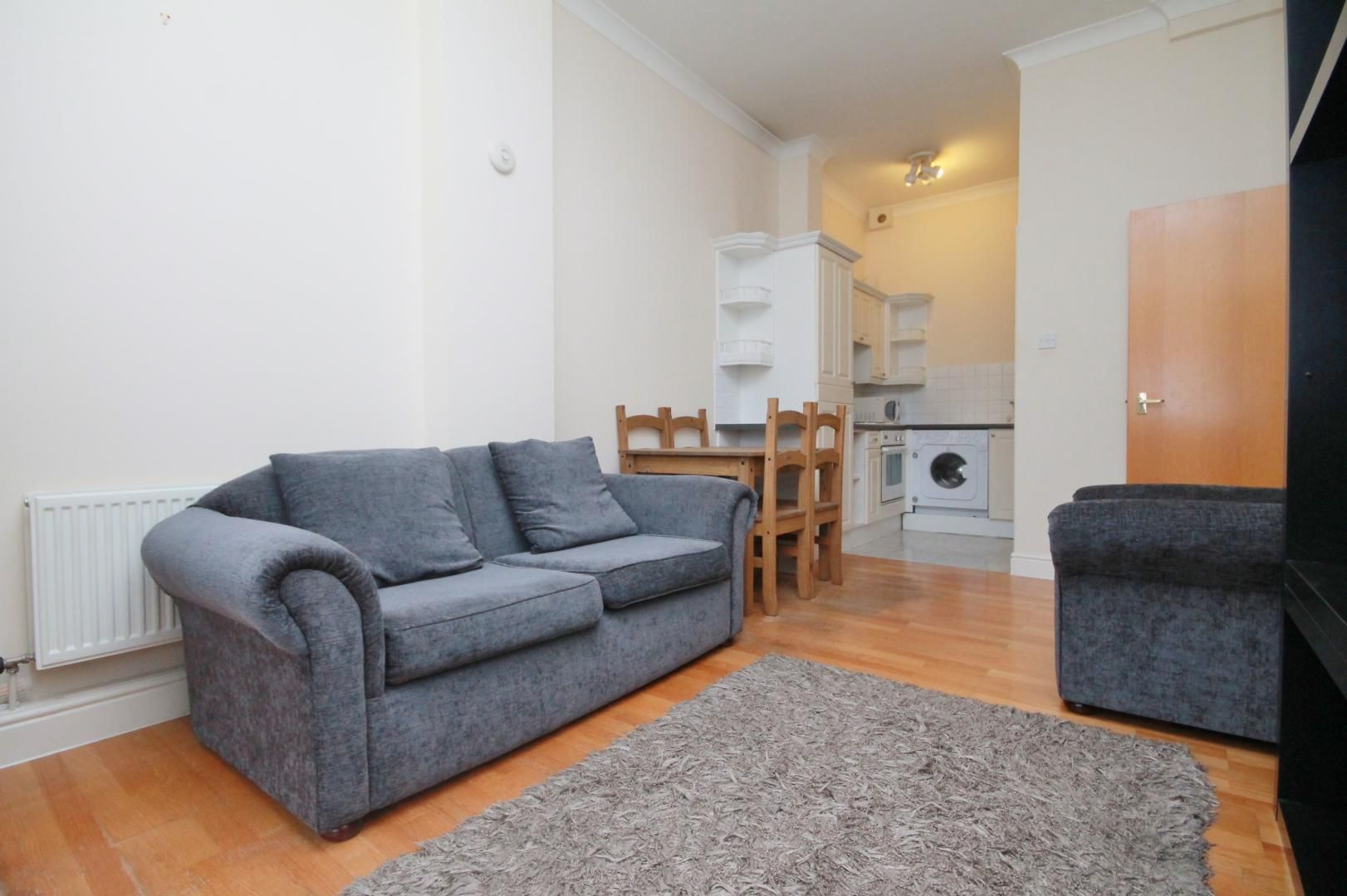 1 bed flat to rent in Slipway House, E14