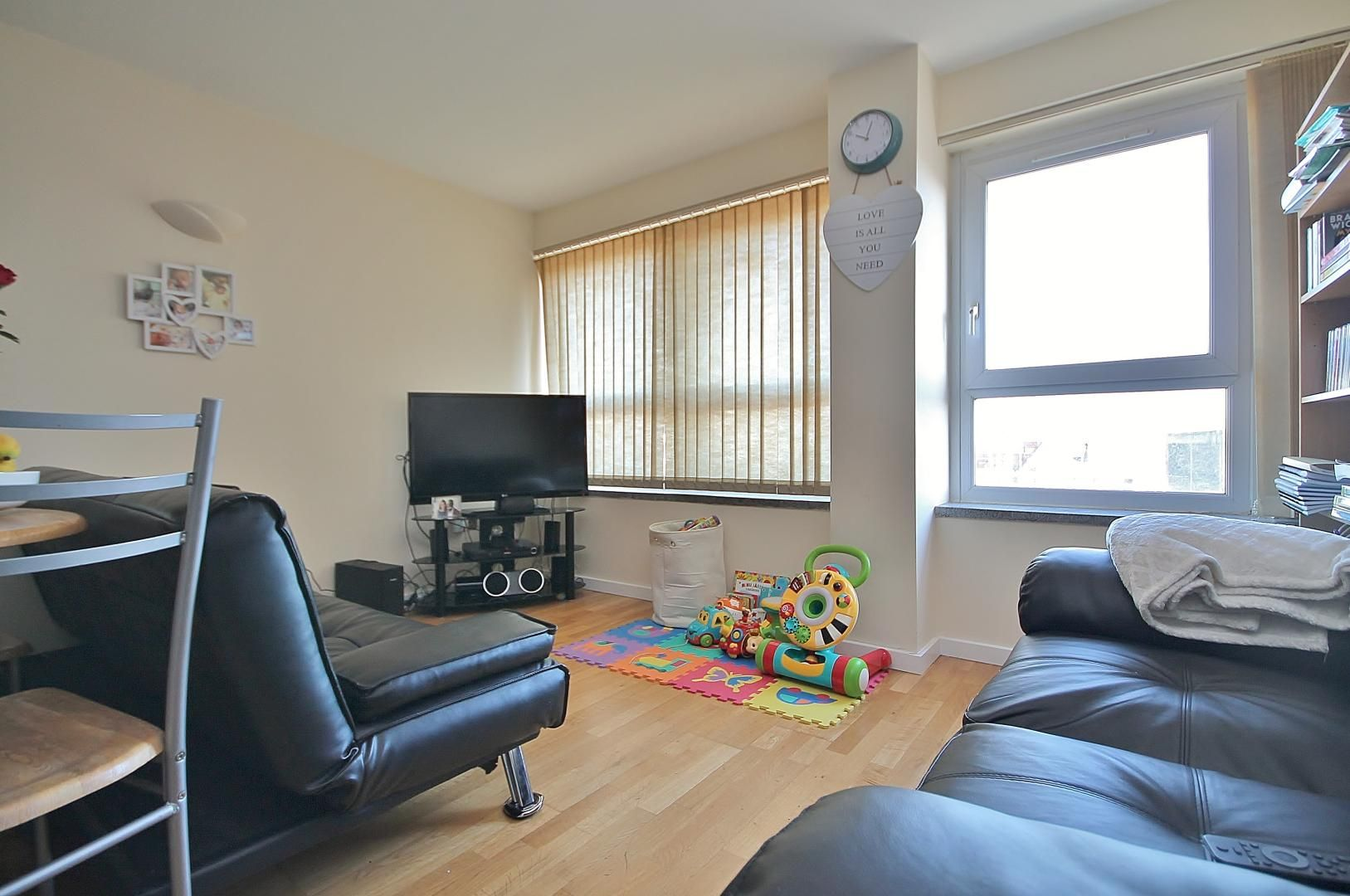 1 bed  to rent in Calderwood Street  - Property Image 3