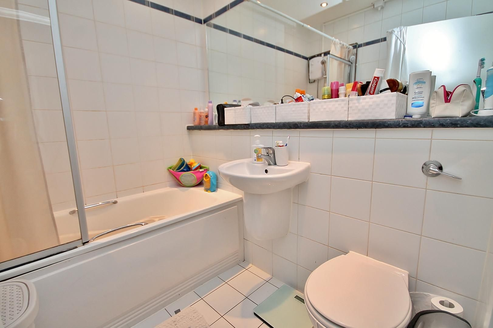 1 bed  to rent in Calderwood Street  - Property Image 6