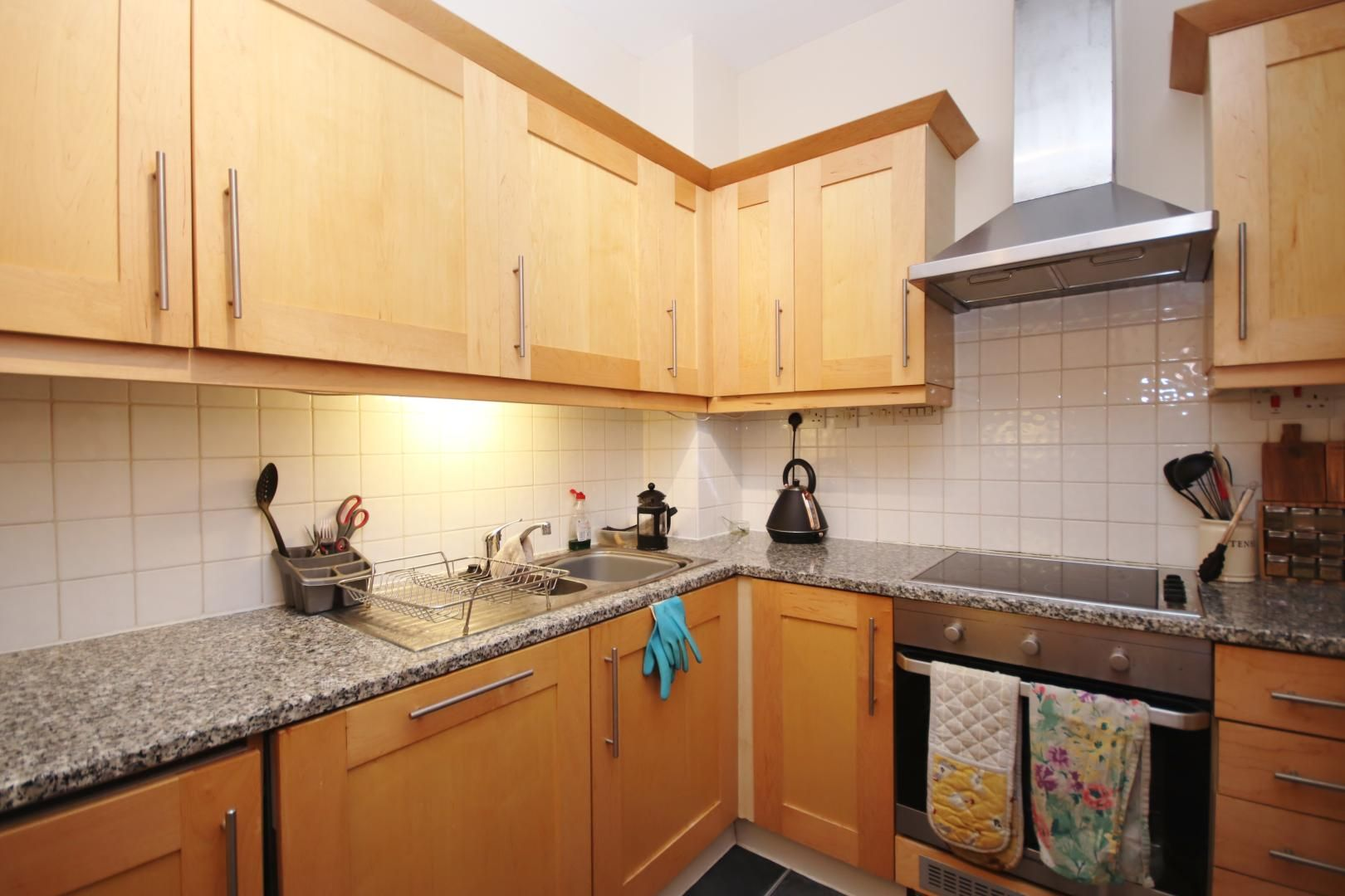 1 bed flat to rent in Cubitt Wharf  - Property Image 7