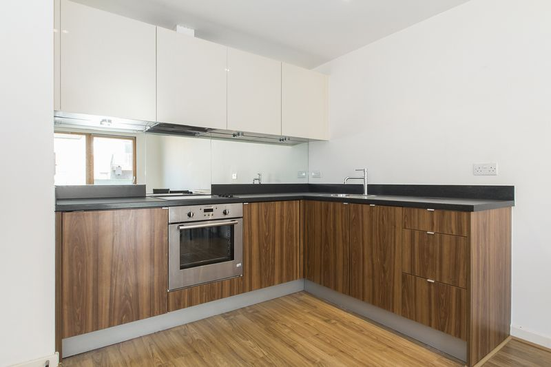 1 bed flat to rent in Cutmore Ropeworks, IG11