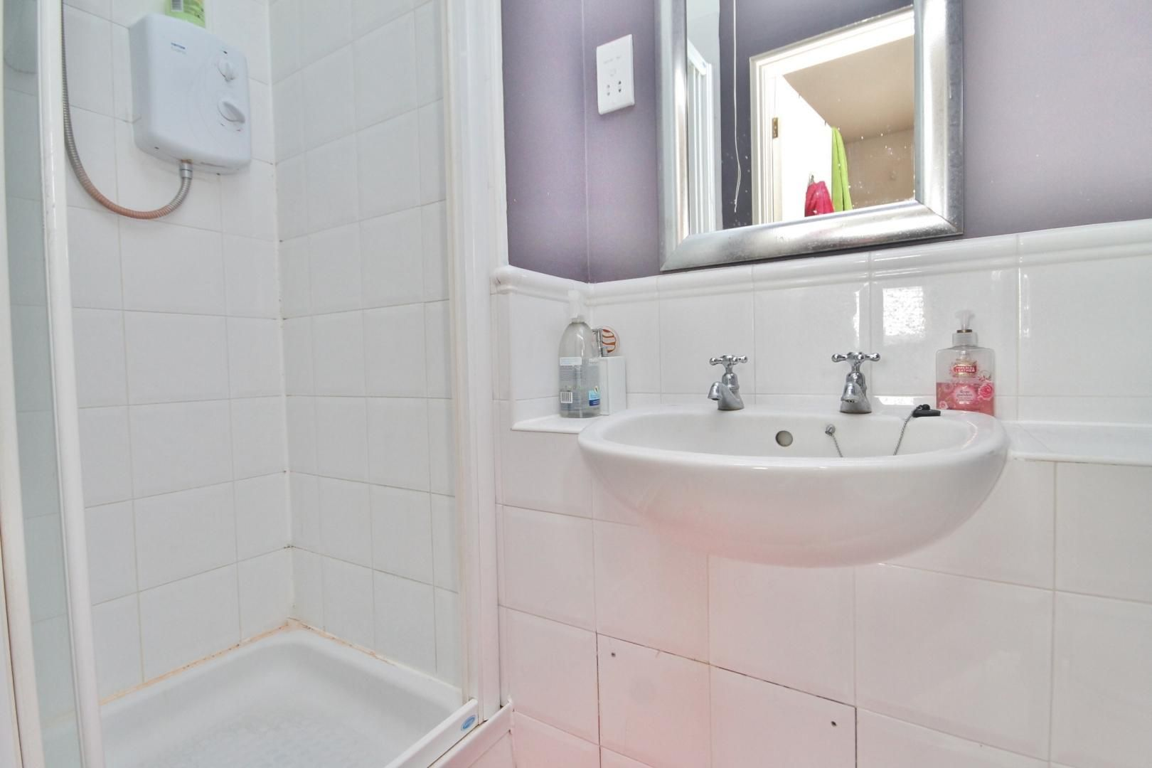 2 bed flat to rent in Felixstowe Court  - Property Image 3