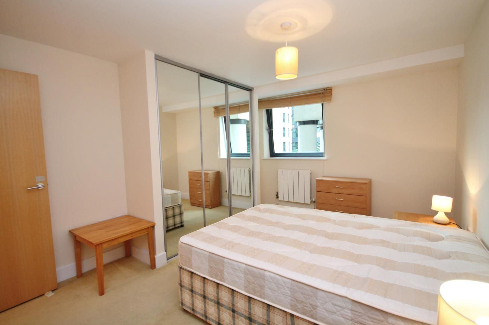 2 bed flat to rent in Millharbour  - Property Image 9