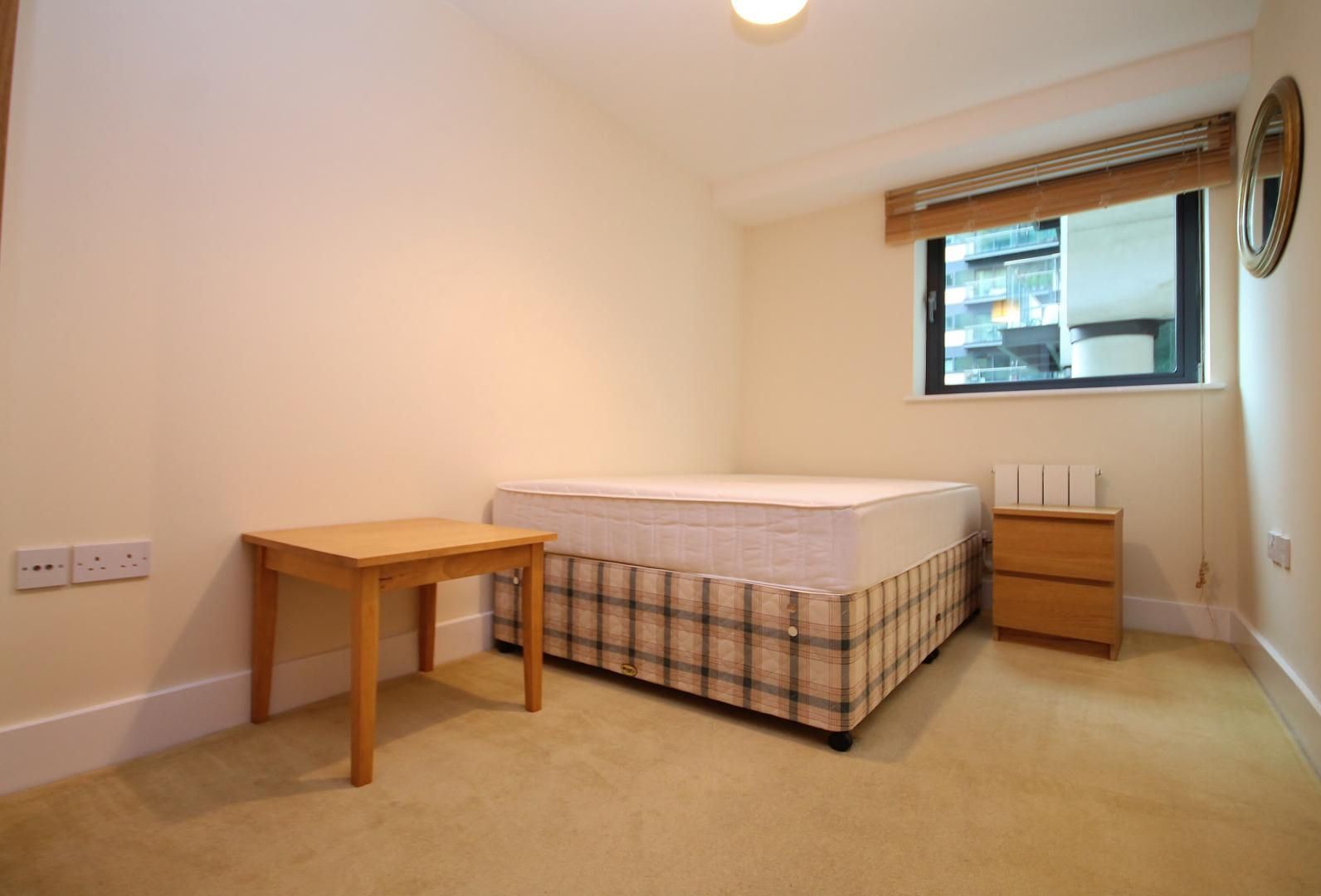 2 bed flat to rent in Millharbour  - Property Image 10