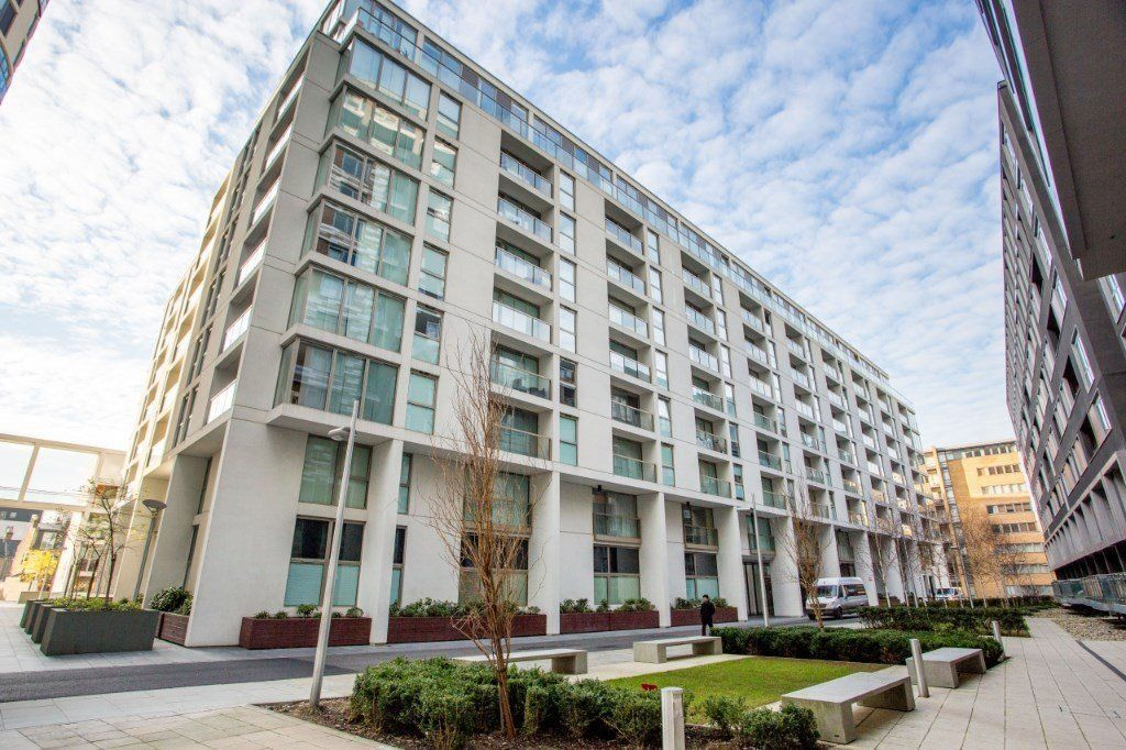 2 bed flat for sale in Denison House, E14