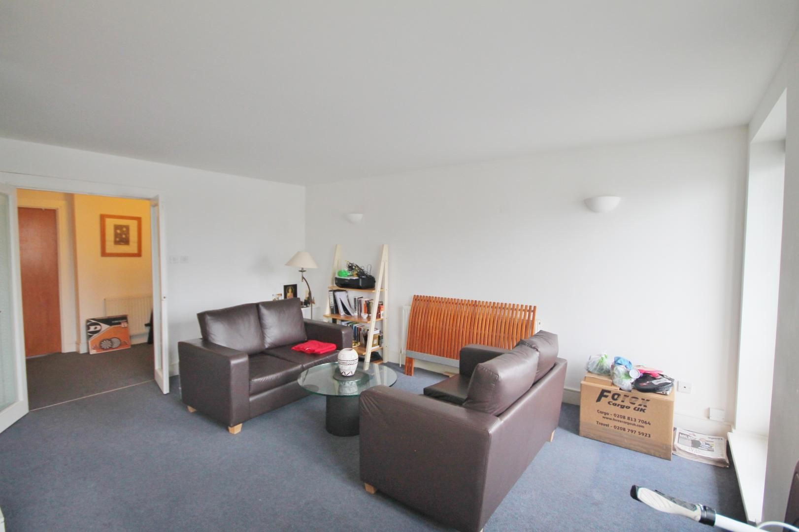 2 bed flat to rent in Kingsbridge Court, E14