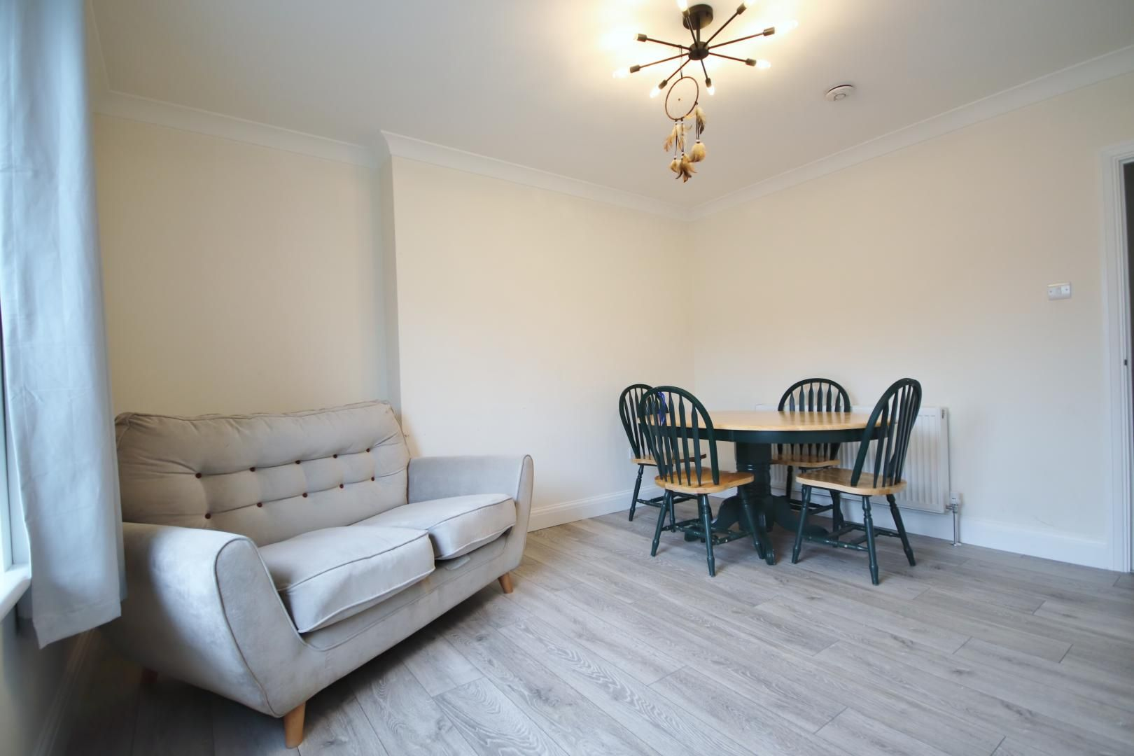2 bed flat to rent in Montrose House  - Property Image 2