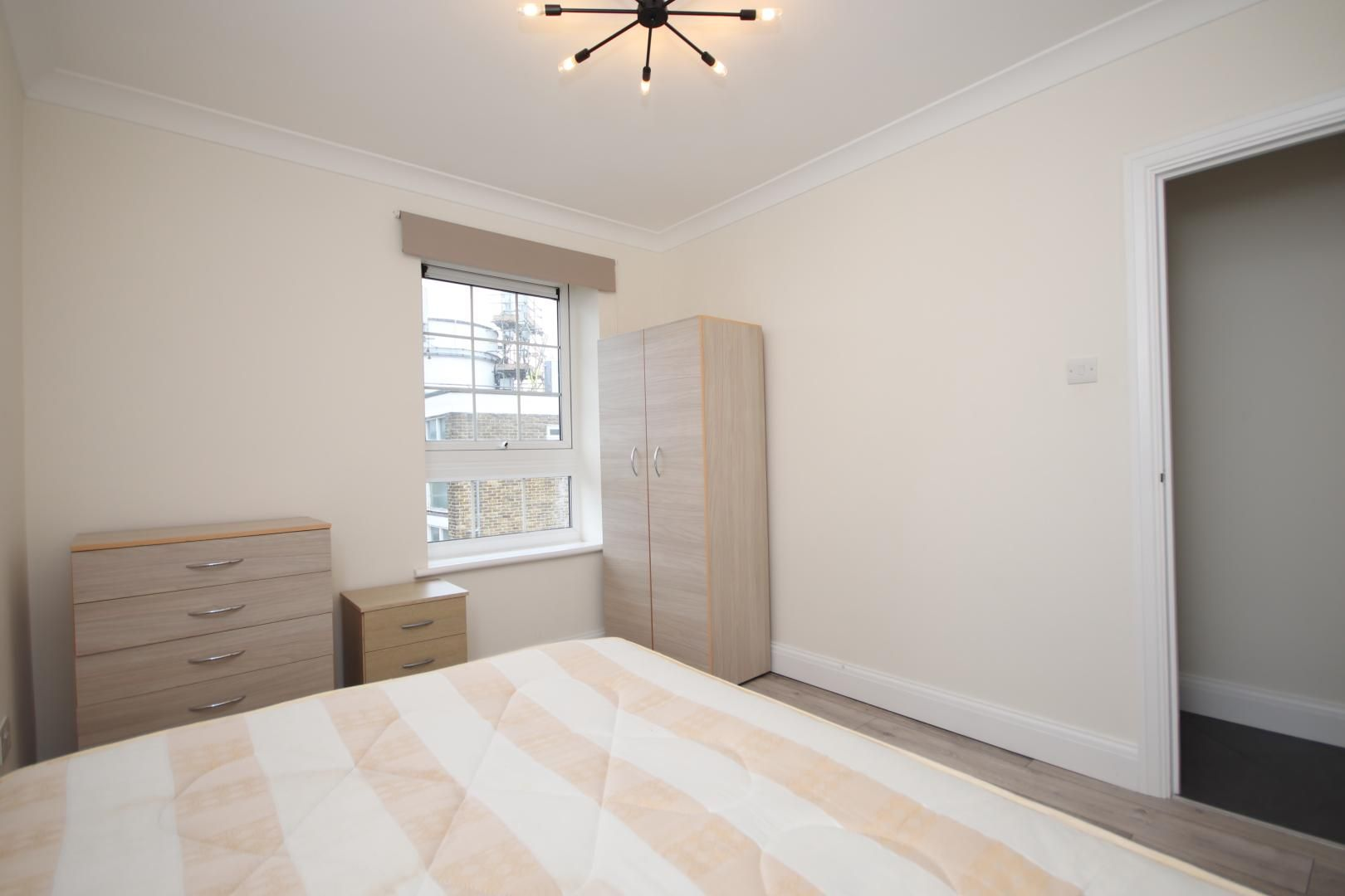 2 bed flat to rent in Montrose House  - Property Image 6