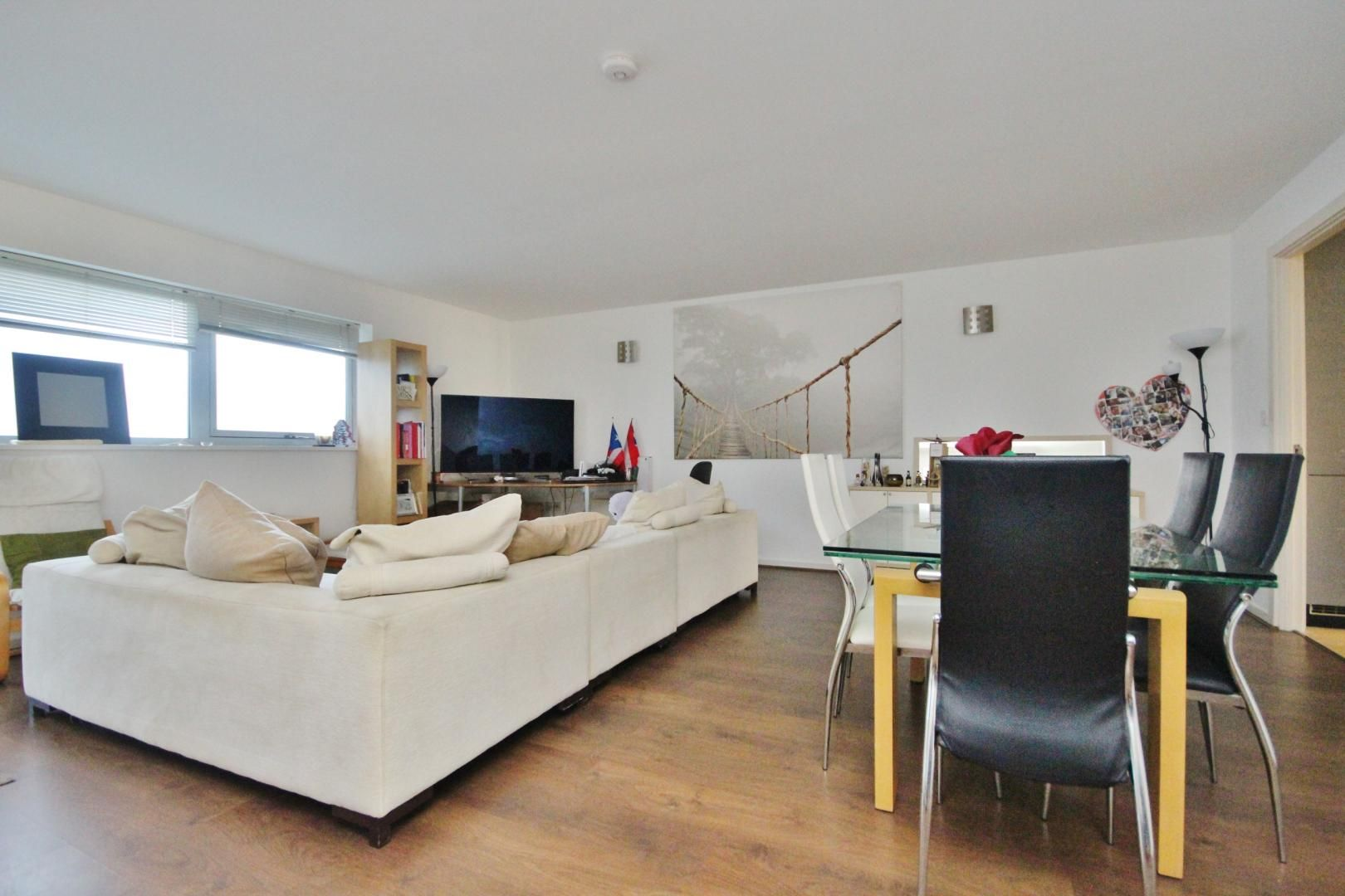1 bed flat to rent in Albert Road, E16