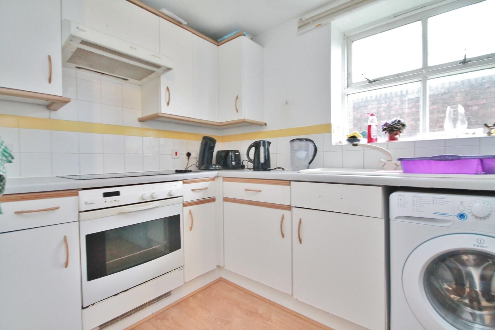 2 bed flat to rent in Stoneyard Lane  - Property Image 2