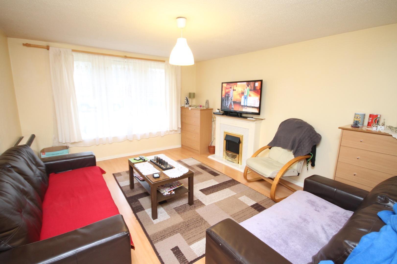 2 bed flat to rent in Stoneyard Lane  - Property Image 3