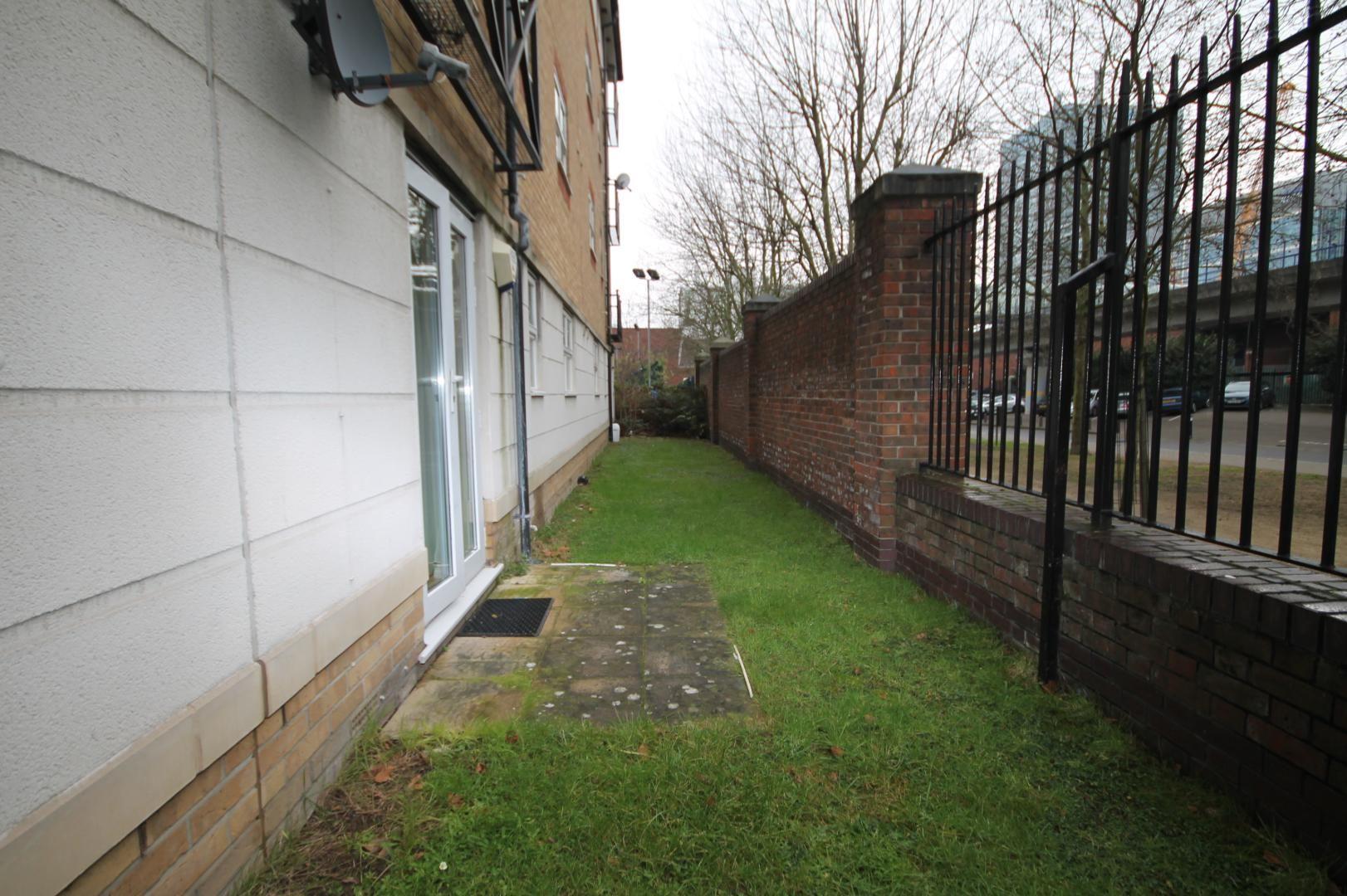 2 bed flat to rent in Stoneyard Lane  - Property Image 4