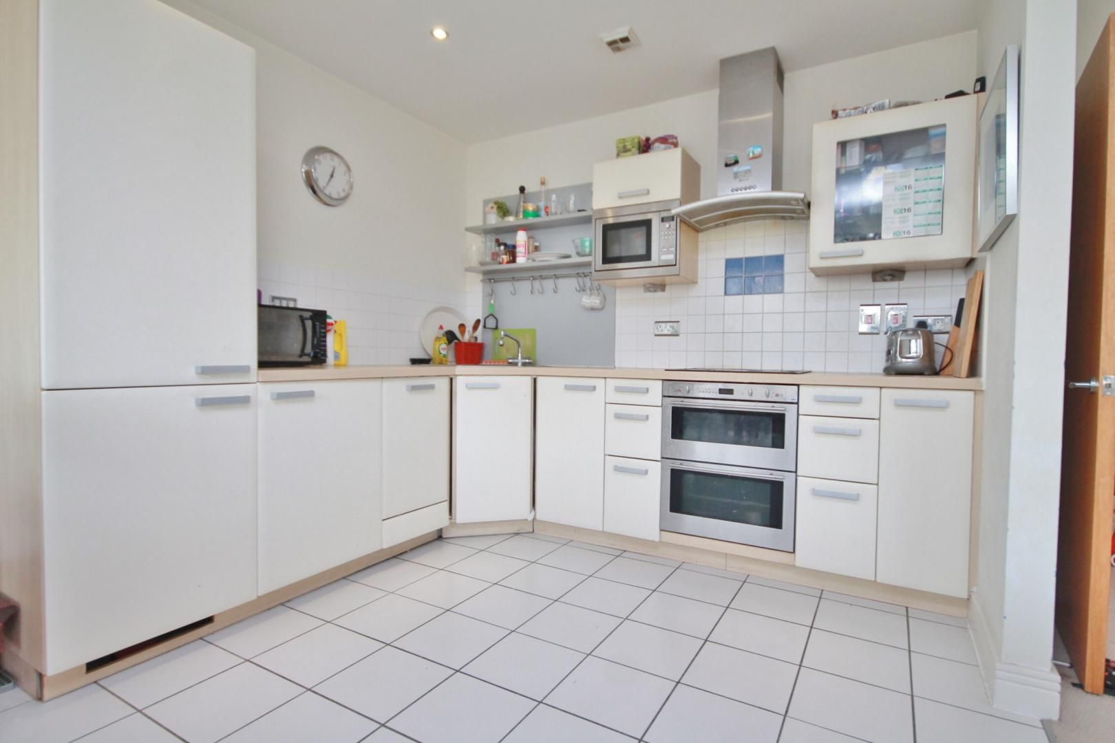 2 bed flat to rent in Wards Wharf Approach  - Property Image 3