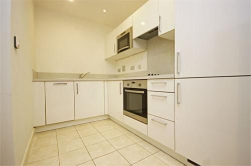 1 bed flat to rent in Connaught Heights  - Property Image 4