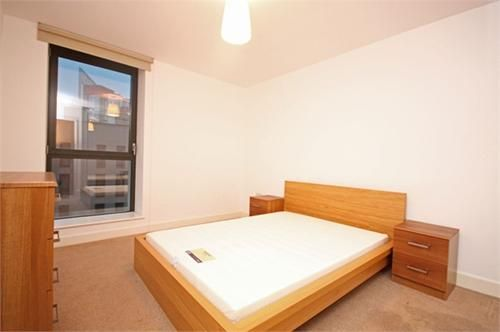 1 bed flat to rent in Connaught Heights  - Property Image 5
