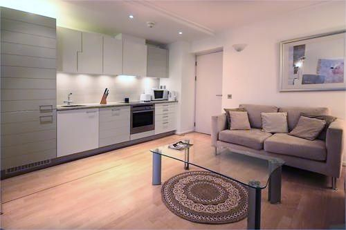 1 bed flat to rent in Hutchings Street  - Property Image 3