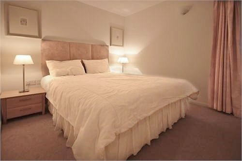 1 bed flat to rent in Hutchings Street  - Property Image 5