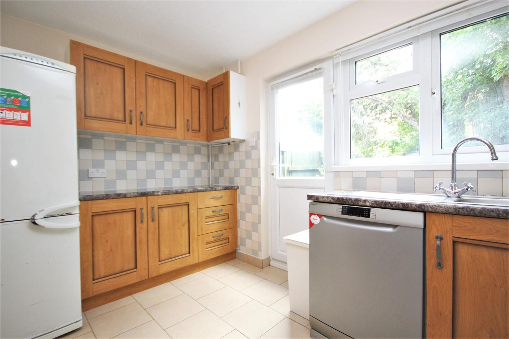 2 bed house to rent in York Close, E6