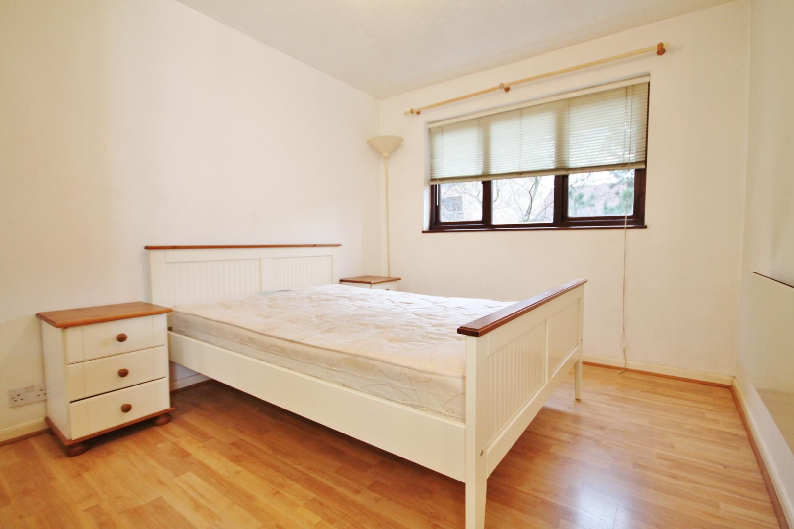 1 bed flat to rent in Transom Square  - Property Image 4