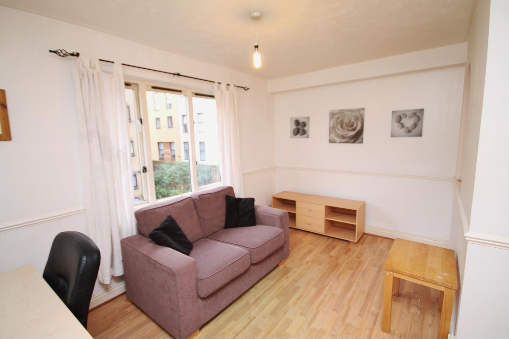 1 bed flat to rent in Transom Square  - Property Image 7