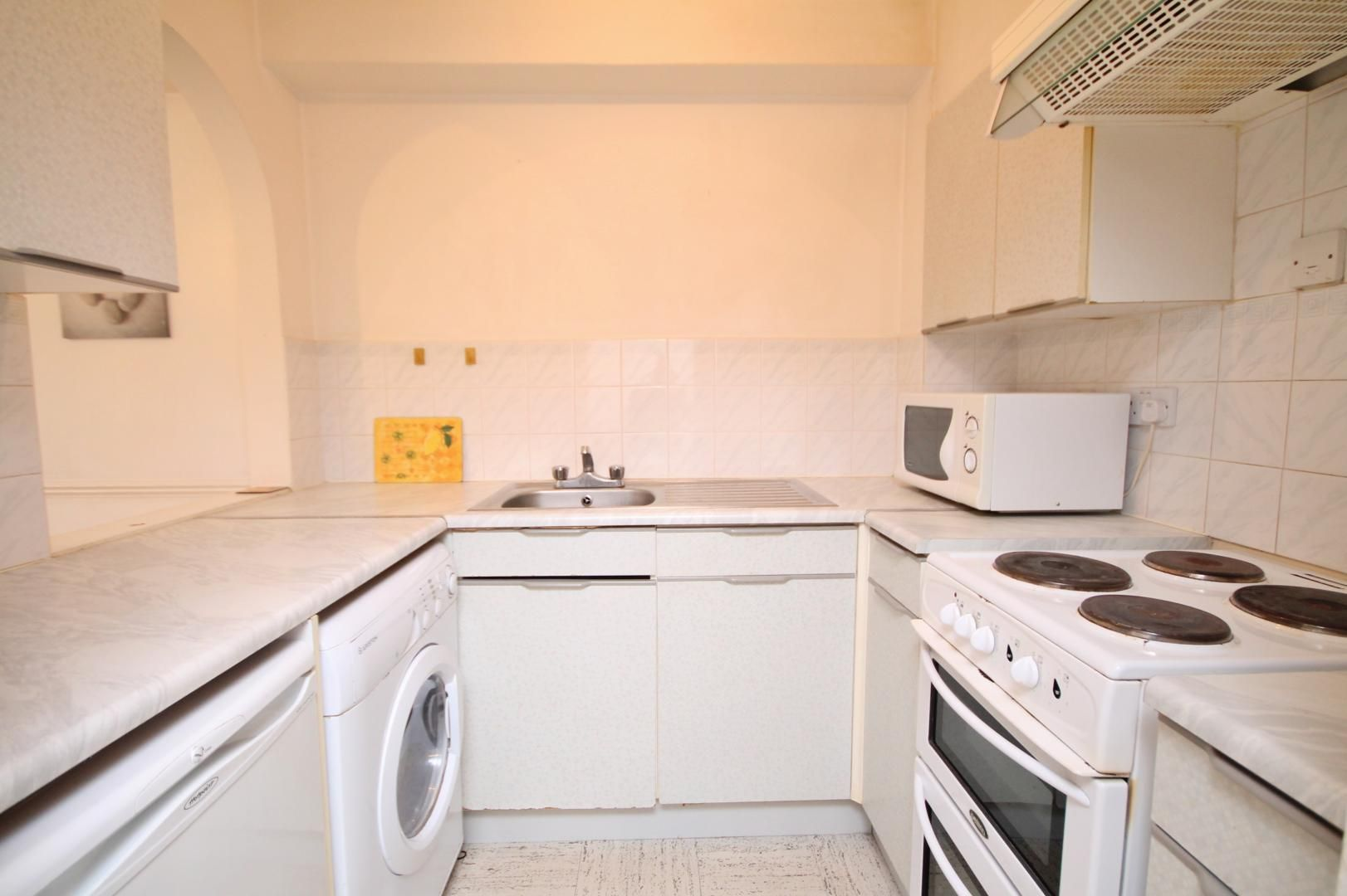 1 bed flat to rent in Transom Square  - Property Image 8