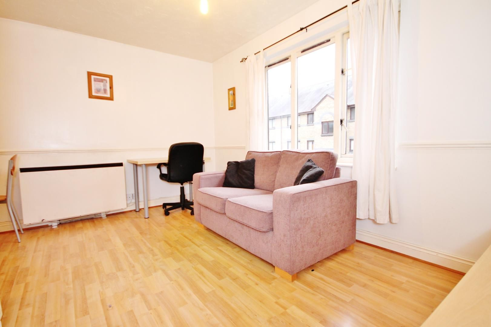 1 bed flat to rent in Transom Square  - Property Image 10