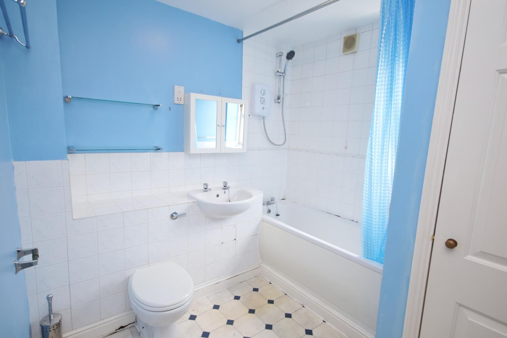 2 bed flat to rent in Wheat Sheaf Close  - Property Image 9