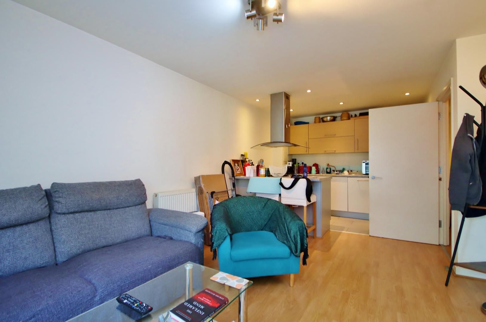 2 bed flat to rent in Tequila Wharf, E14