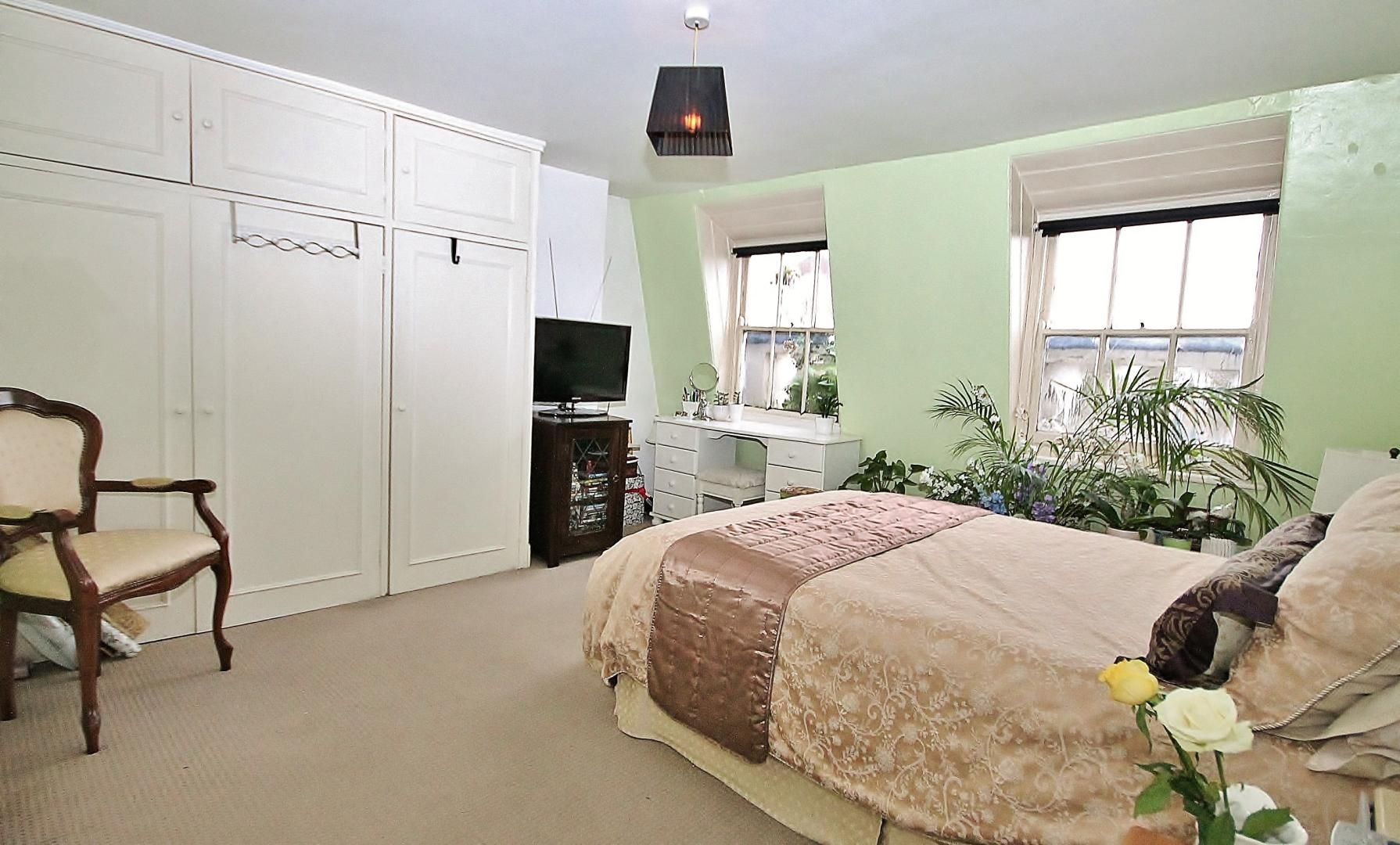 1 bed flat for sale in 246-254 Poplar High Street  - Property Image 2
