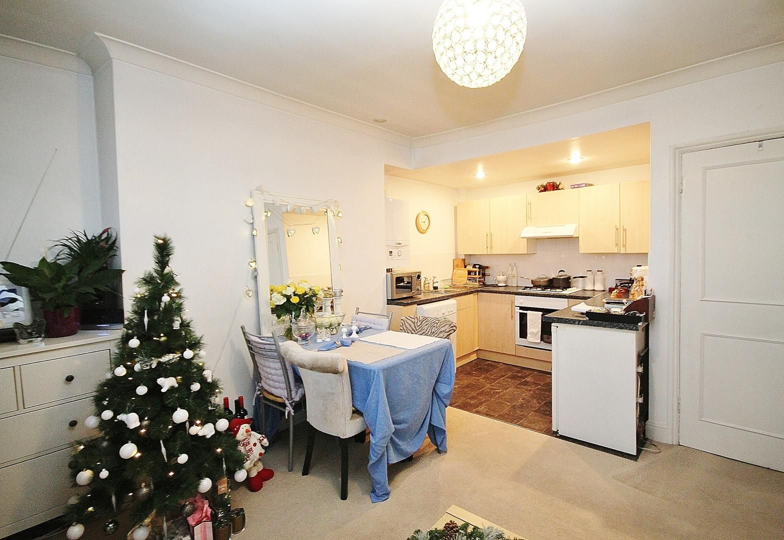 1 bed flat for sale in 246-254 Poplar High Street  - Property Image 4
