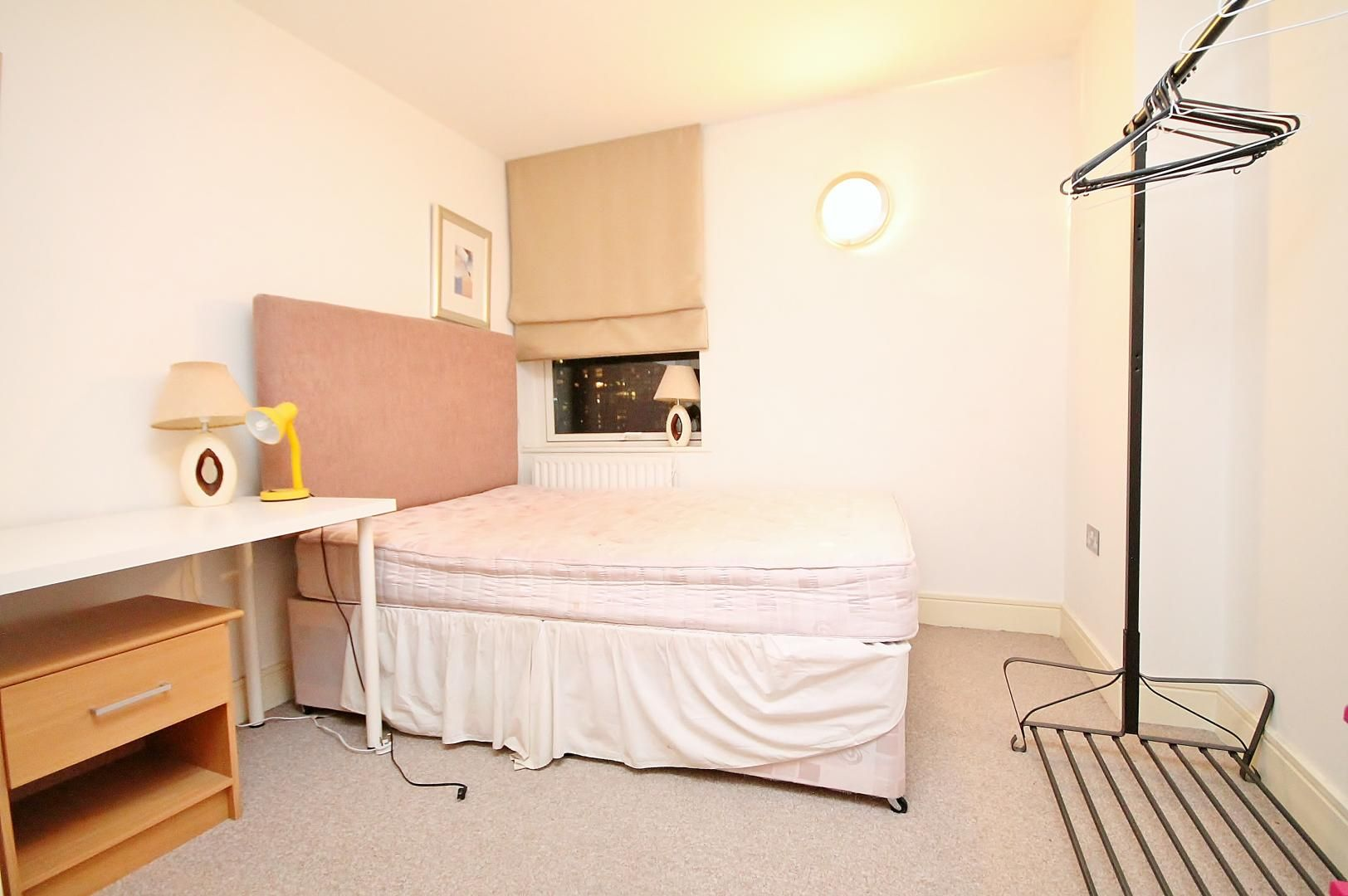 2 bed flat to rent in Cassilis Road  - Property Image 6