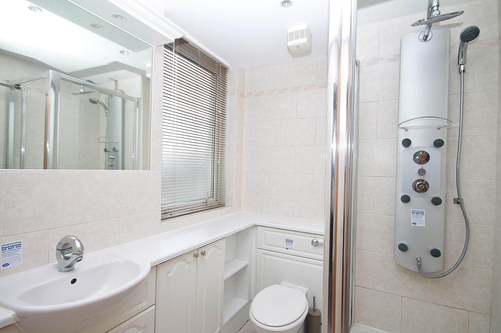 3 bed flat for sale in Barrier Point  - Property Image 6