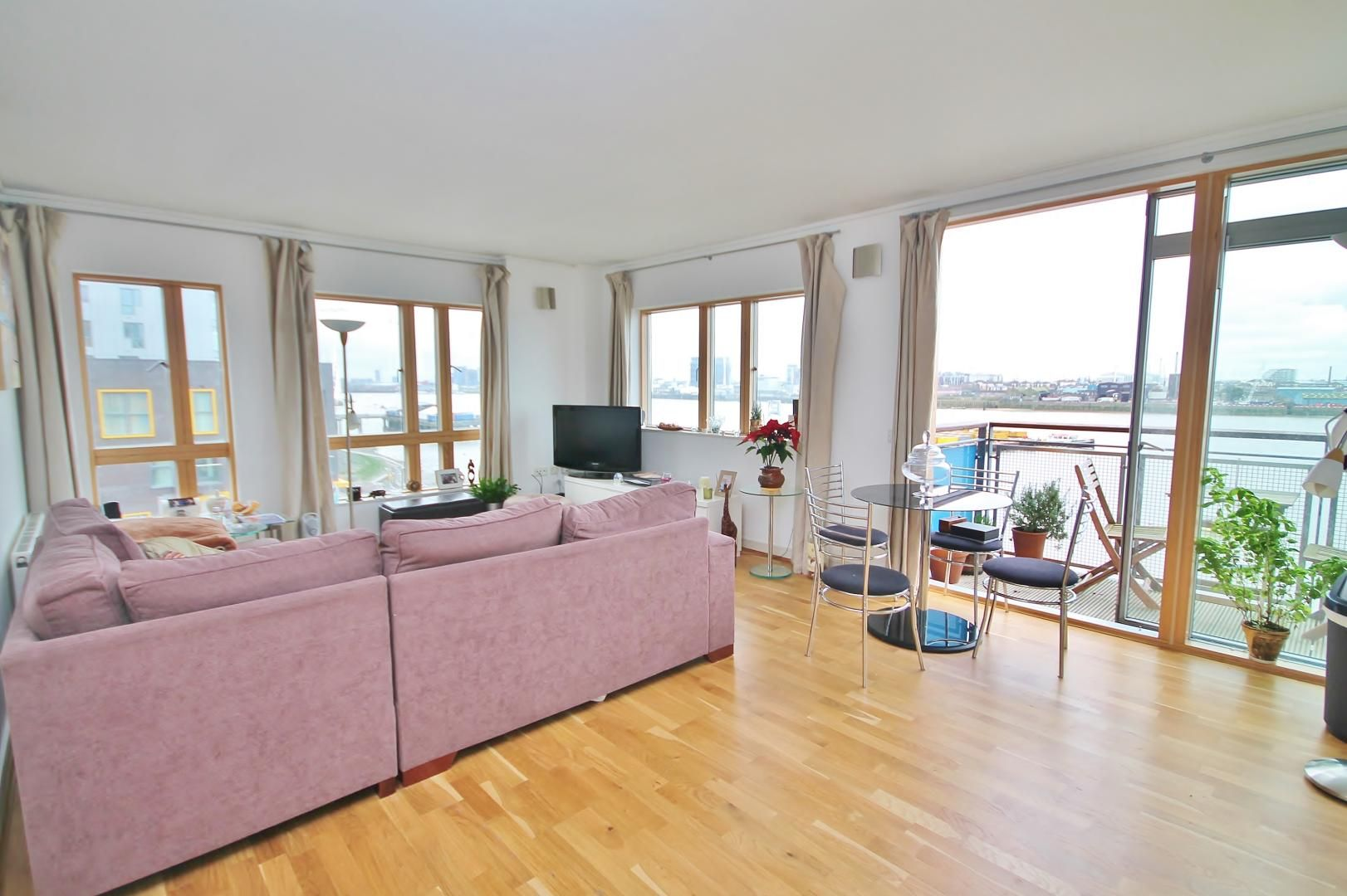 2 bed flat for sale in John Harrison Way  - Property Image 3