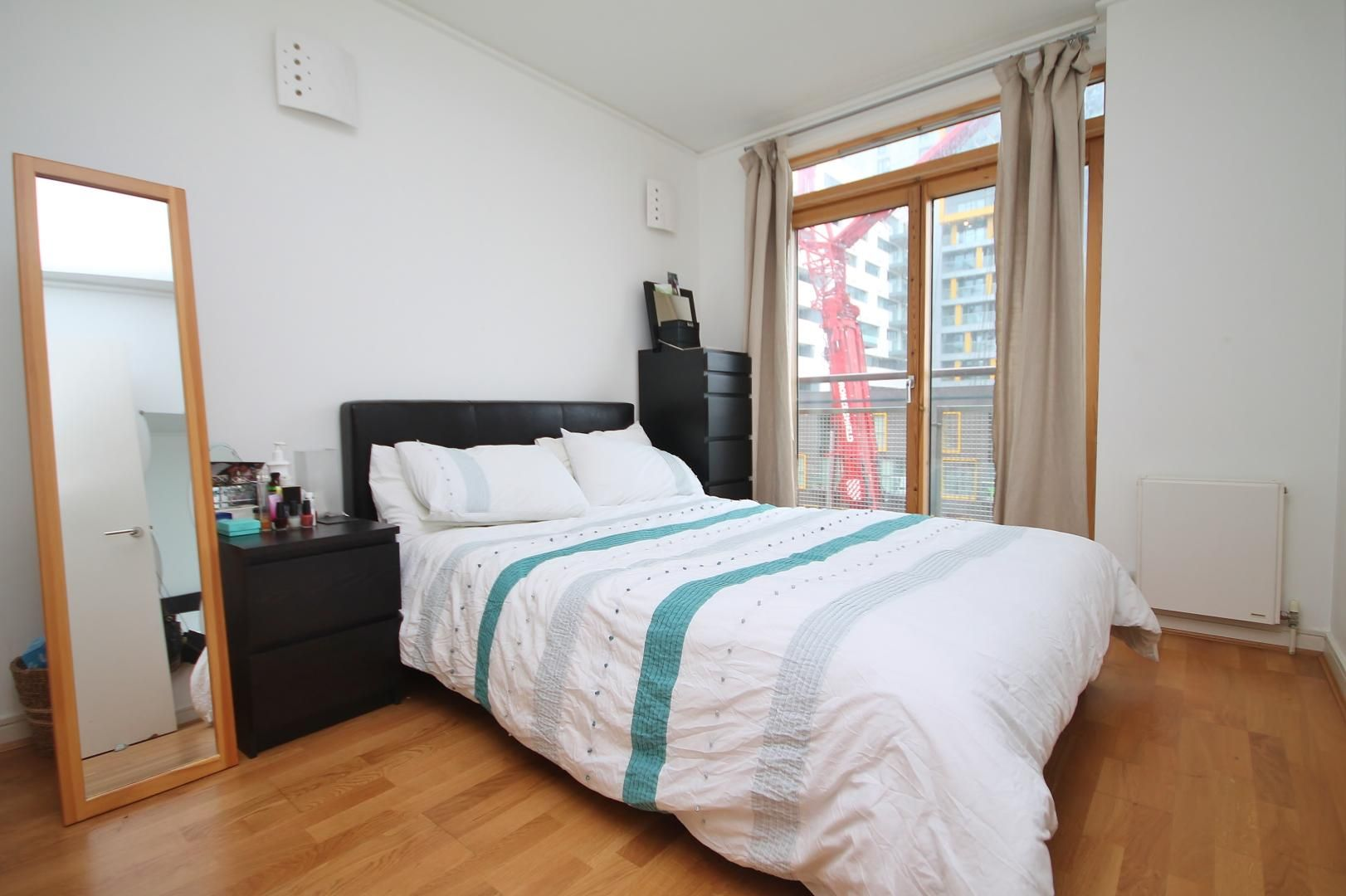 2 bed flat for sale in John Harrison Way  - Property Image 6