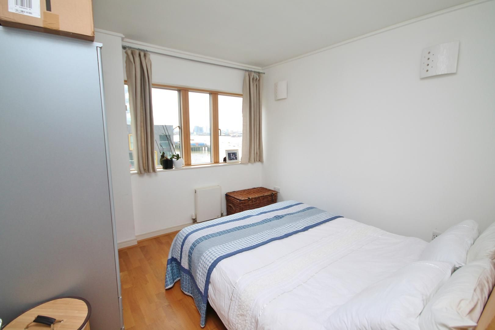 2 bed flat for sale in John Harrison Way  - Property Image 7