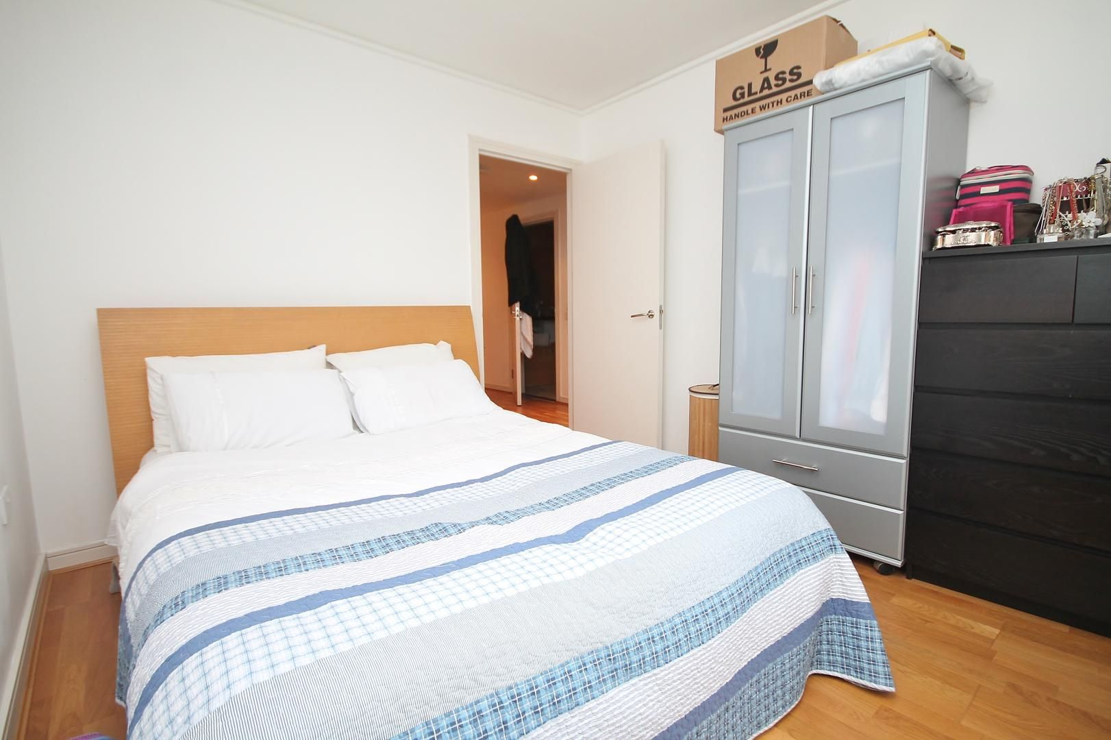 2 bed flat for sale in John Harrison Way  - Property Image 8
