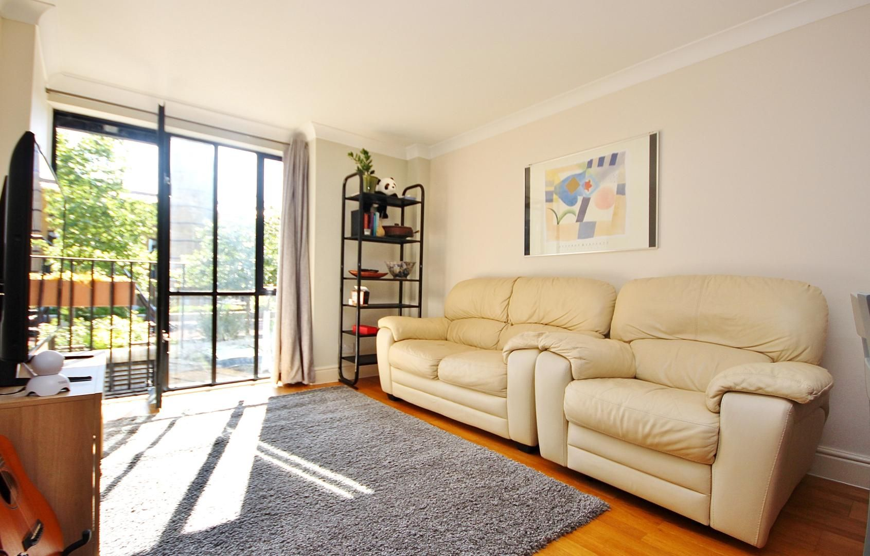 1 bed flat to rent in Taffrail House, E14