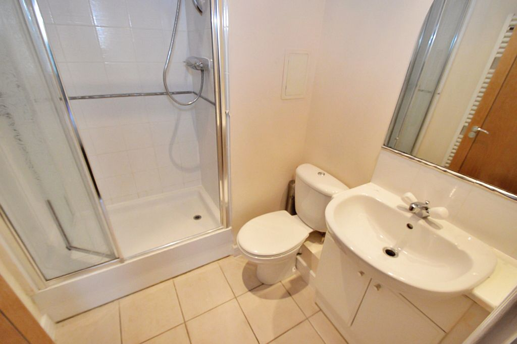 2 bed flat for sale in Newport Avenue  - Property Image 6