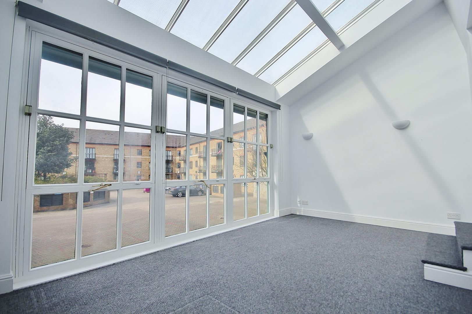 2 bed flat to rent in Plate House  - Property Image 1