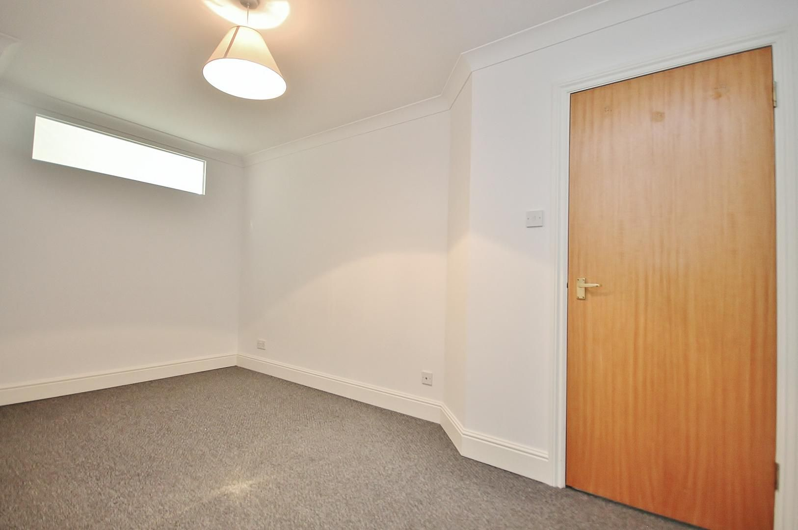 2 bed flat to rent in Plate House  - Property Image 6