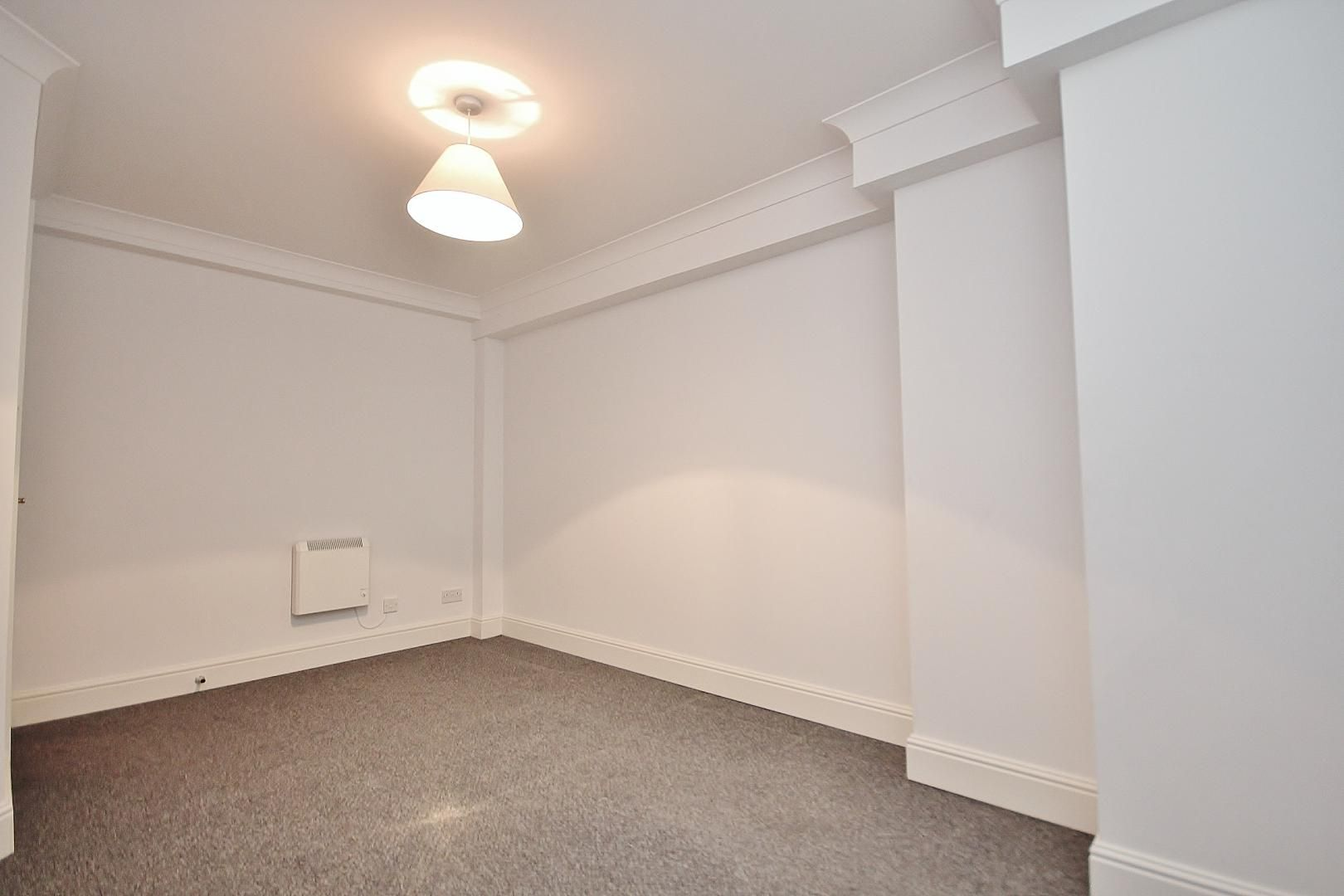 2 bed flat to rent in Plate House  - Property Image 7