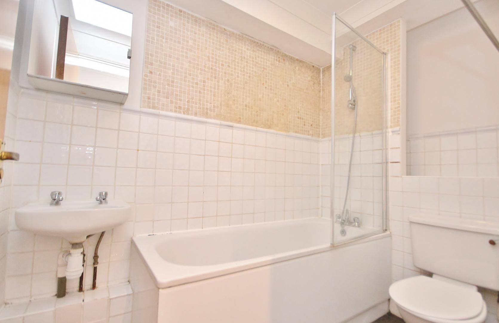 2 bed flat to rent in Plate House  - Property Image 9