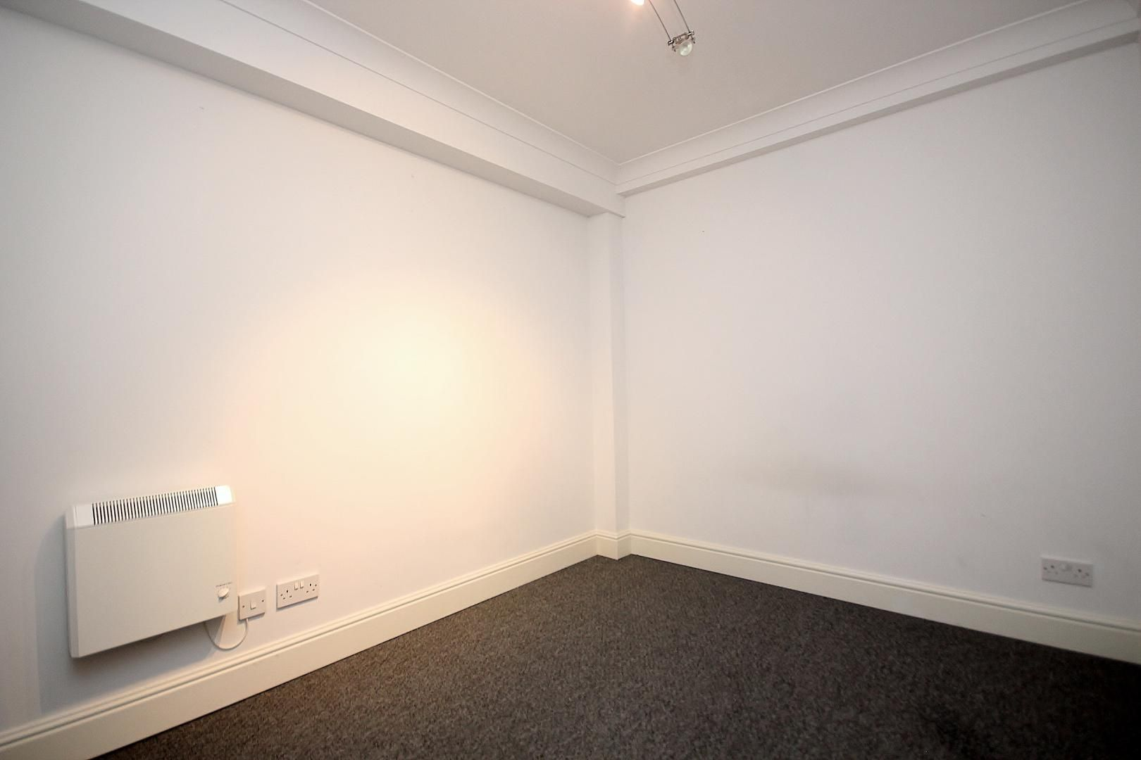 2 bed flat to rent in Plate House  - Property Image 10