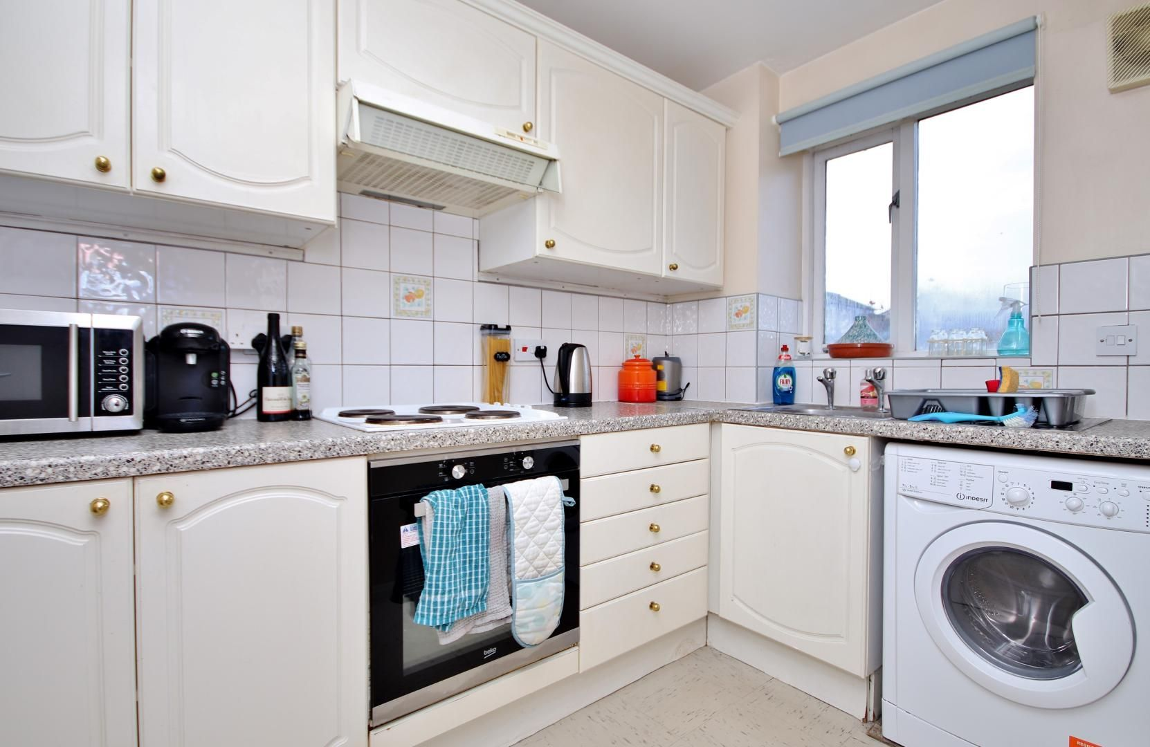 1 bed flat to rent in Telegraph Place, E14