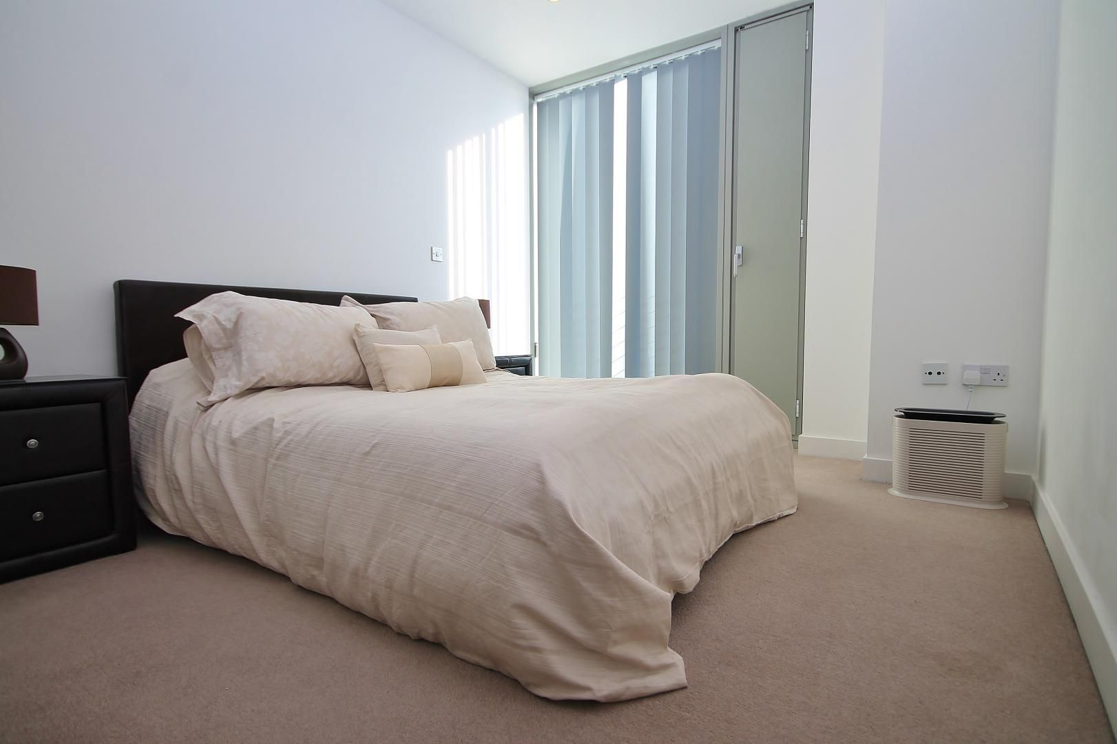2 bed  to rent in Marsh Wall  - Property Image 6
