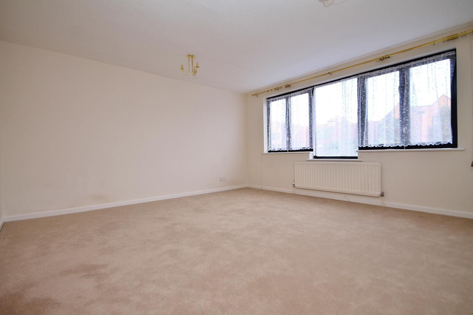 3 bed house to rent in Manchester Road  - Property Image 4