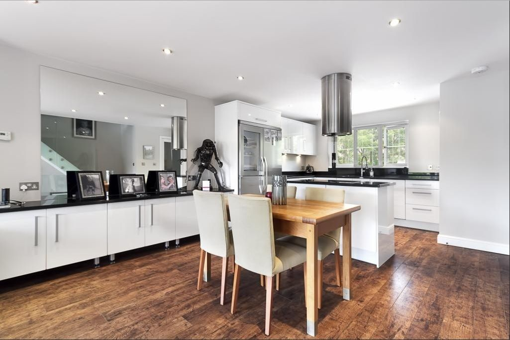 4 bed house for sale in Plymouth Wharf  - Property Image 2
