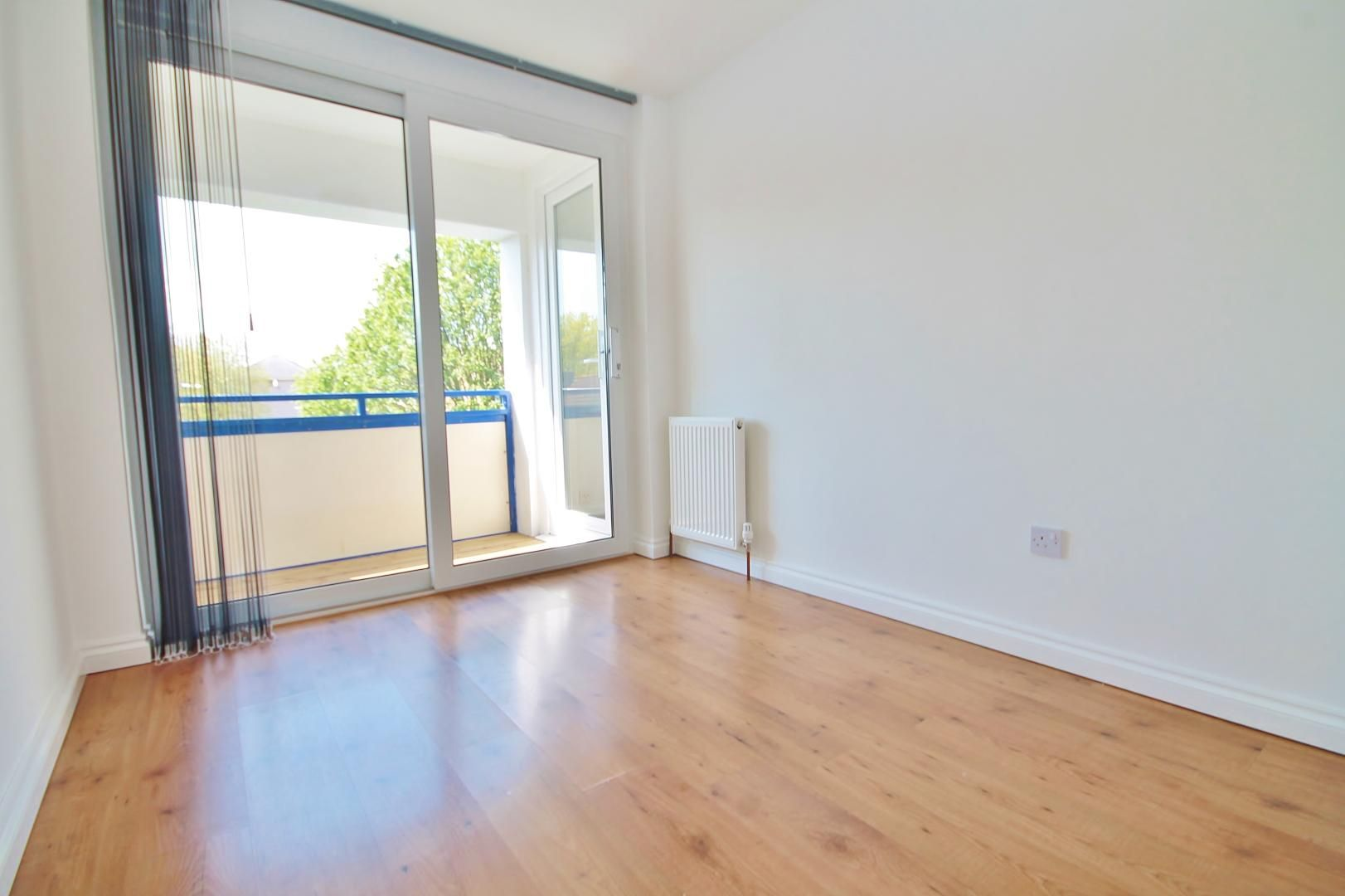 3 bed flat to rent in Storey Street  - Property Image 5